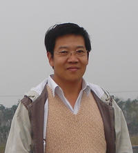 Plant pathologist Shou-Wei Ding has led a study that shows that the common fruit fly can serve as an excellent model for studying the immunity animals are born with for fighting viral infections. Photo courtesy: S-W. Ding.