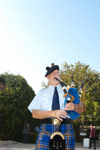 Bagpiper Mike Terry. Photo by Michael Elderman.