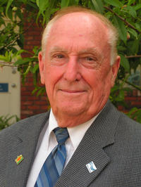 Seymour D. Van Gundy is professor emeritus of nematology at UC Riverside. Photo credit: R. Duran, UCR.