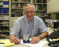 Ring Cardé, a distinguished professor and Alfred M. Boyce Chair in Entomology at UC Riverside, has been honored with the Silver Medal by the International Society for Chemical Ecology. Photo credit: S. Clausen, CNAS Dean's Office, UCR. (Additional image below.)