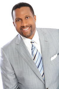 Tavis Smiley will speak at the 8 a.m. June 12 commencement ceremony.