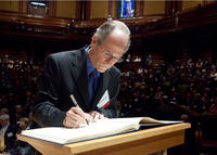 David N. Reznick signs the American Academy of Arts and Sciences' Book of Members, a tradition that dates back to 1780.  Photo credit: American Academy of Arts and Sciences.
