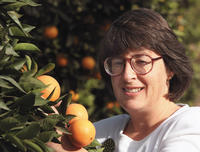 Tracy Kahn, curator of the UCR Citrus Variety Collection, has been chosen as a fellow of the California Agricultural Leadership Program.