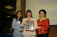 Vanthy Ly (center) with daughter Sereyvan Chea and Chancellor France Córdova (Photo by Micheal Elderman)