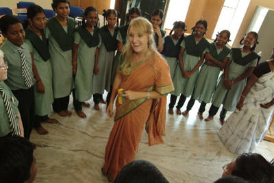 Samantha Wilson and students on the first day of the leadership program in Tamil Nadu state in August 2008.