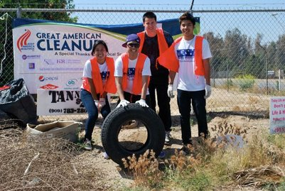 UCR's Katipunan organization during the 2010 Great American Cleanup in Riverside.<br />