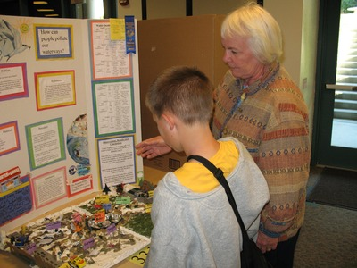 Visitors to a recent Science and Engineering Fair.  Photo credit: CNAS, UC Riverside.