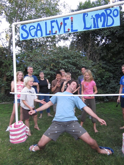 Fairgoers of all ages can participate in the Sea Level Limbo activity at the community climate fair scheduled for Nov. 12 at UC Riverside. Photo credit: Droser lab, UC Riverside.