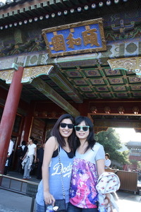Michelle Jia (left) and Melissa Tan visted the Summer Palace in Beijing during a break in filming of Fei Chen Wu Rao (If You Are the One) in September. (Photo courtesy of Melissa Tan)